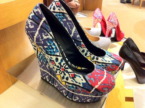 Мода на цветные туфли