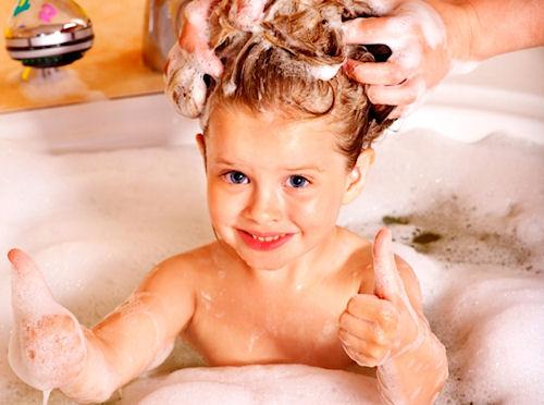 Что делать если ребенок не любит мыть волосы?