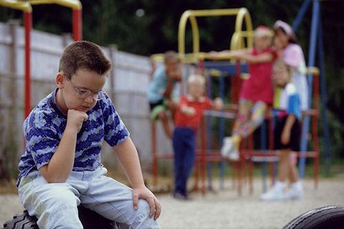 Как научить кроху справляться с конфликтами в детском саду