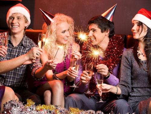 Тосты на Новый год: новые и прикольные